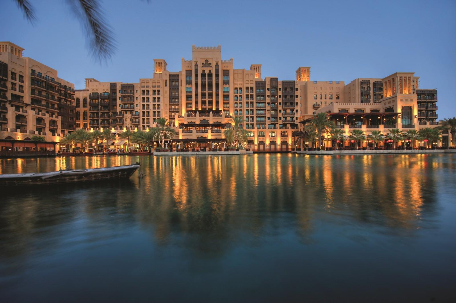 Luxury dubai hotels resorts for Luxury dubai accommodation